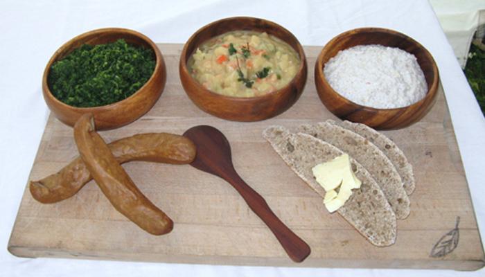 bondemad grød, brød og pølser